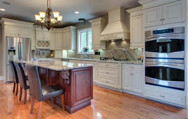 Crema Maple Kitchen Cabinets