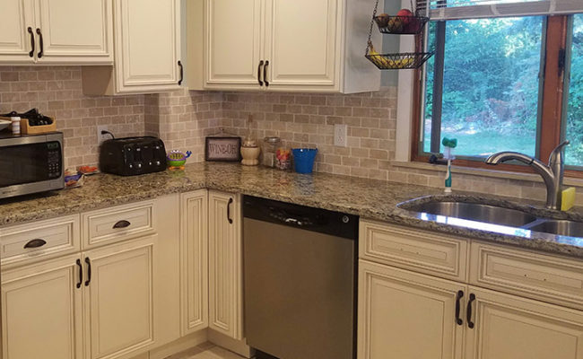 Santa Cecilia Light Granite Kitchen Pictures