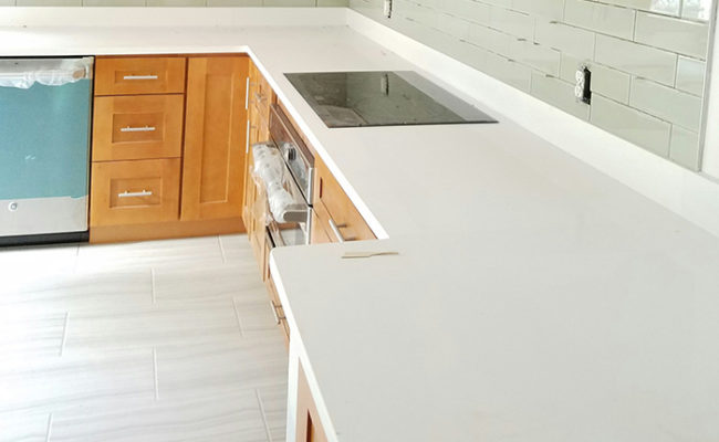 honey-shaker-cabinets-and-artic-white-quartz-1