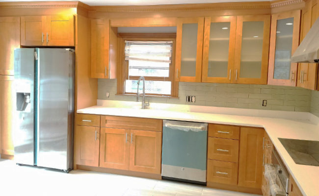 honey-shaker-cabinets-and-artic-white-quartz-2