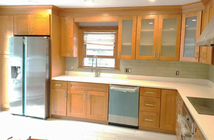 Kitchens With Maple Cabinets And Quartz Countertops | www ... on Light Maple Cabinets With White Countertops  id=46896