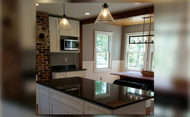 white-shaker-cabinets-and-steel-gray-granite-4